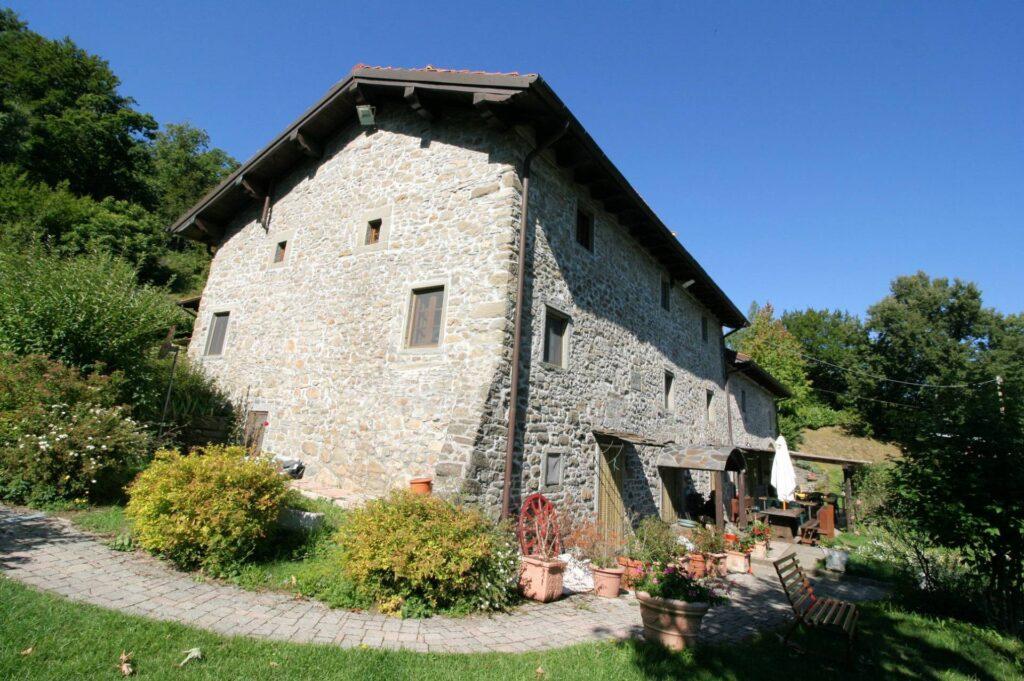 1265-Prestigioso complesso agrituristico sito in un'oasi di pace ed assoluta bellezza naturalistica-San Marcello Piteglio-1 Agenzia Immobiliare ASIP