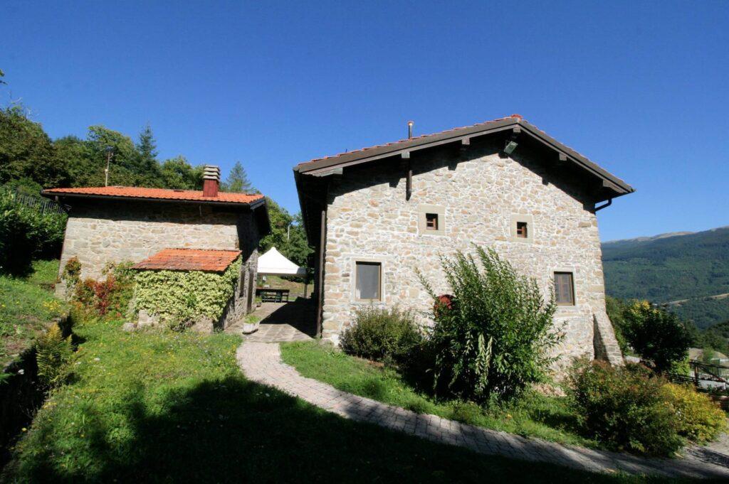 1265-Prestigioso complesso agrituristico sito in un'oasi di pace ed assoluta bellezza naturalistica-San Marcello Piteglio-3 Agenzia Immobiliare ASIP