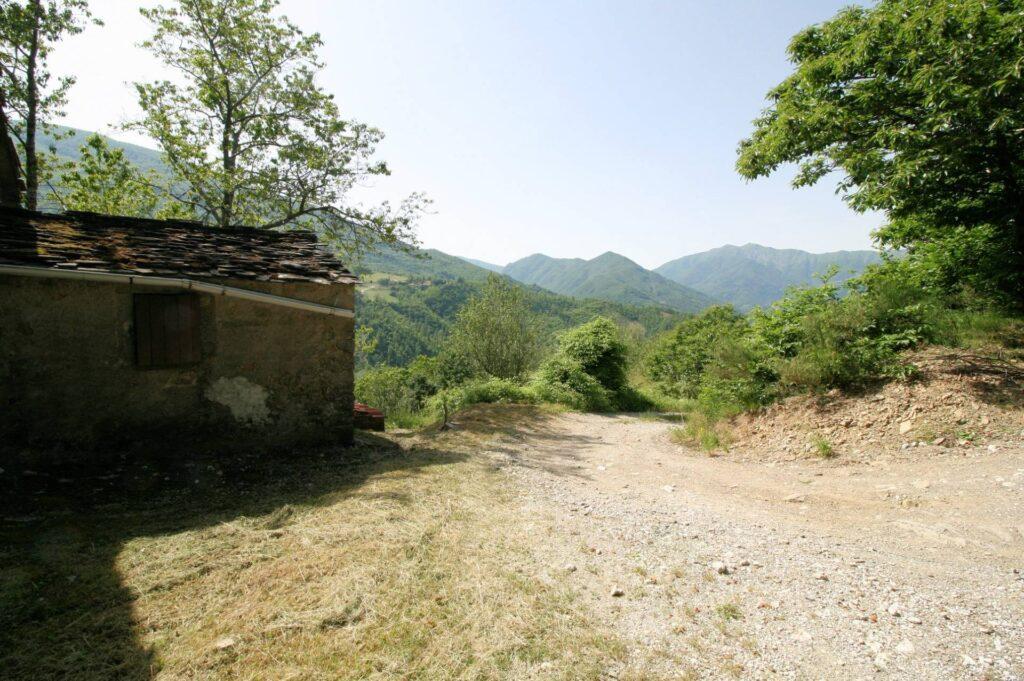 1266-Rustico di ampia superficie da ristrutturare con terreno-San Marcello Piteglio-12 Agenzia Immobiliare ASIP
