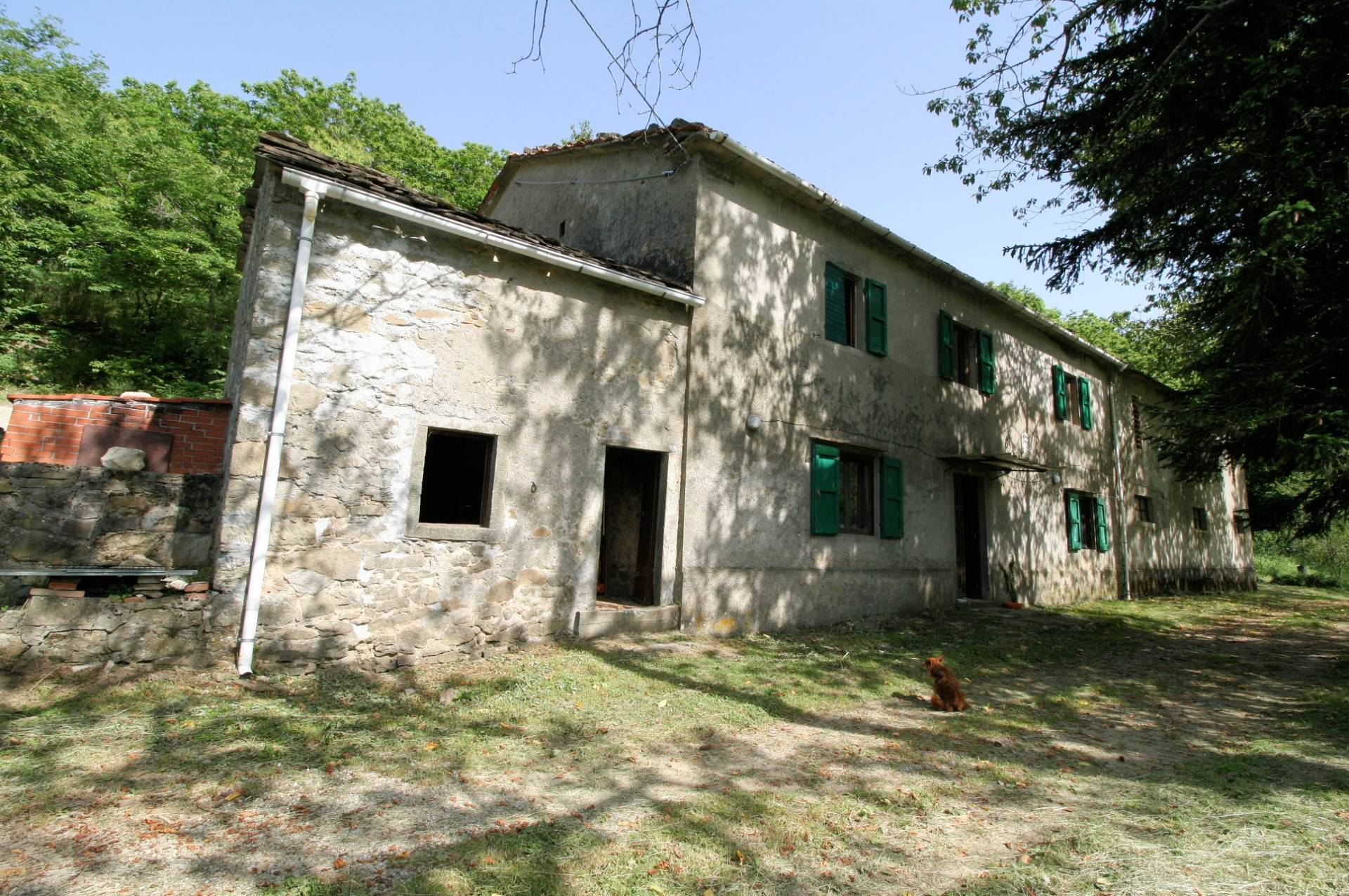 1266-Rustico di ampia superficie da ristrutturare con terreno-San Marcello Piteglio-1 Agenzia Immobiliare ASIP