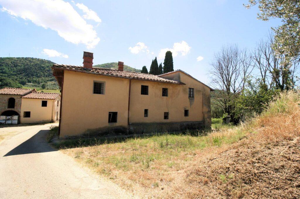 1269-Casa indipendente da ristrutturare con ampio uliveto-Quarrata-3 Agenzia Immobiliare ASIP